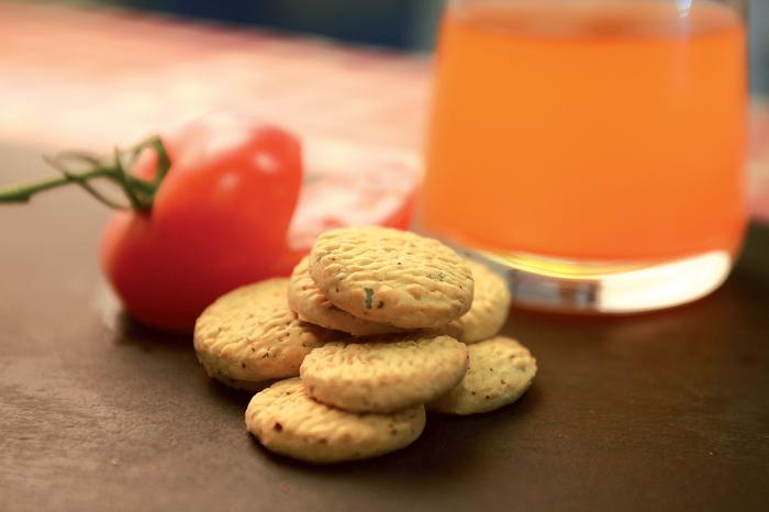Kreker paradajka-oregano zmenšené